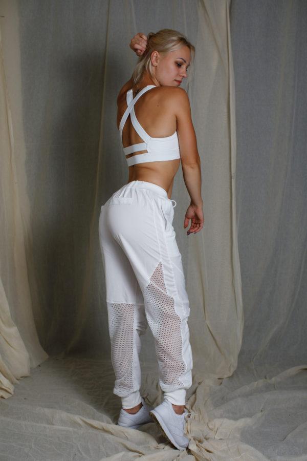 Джоггеры белые с сеткой сзади